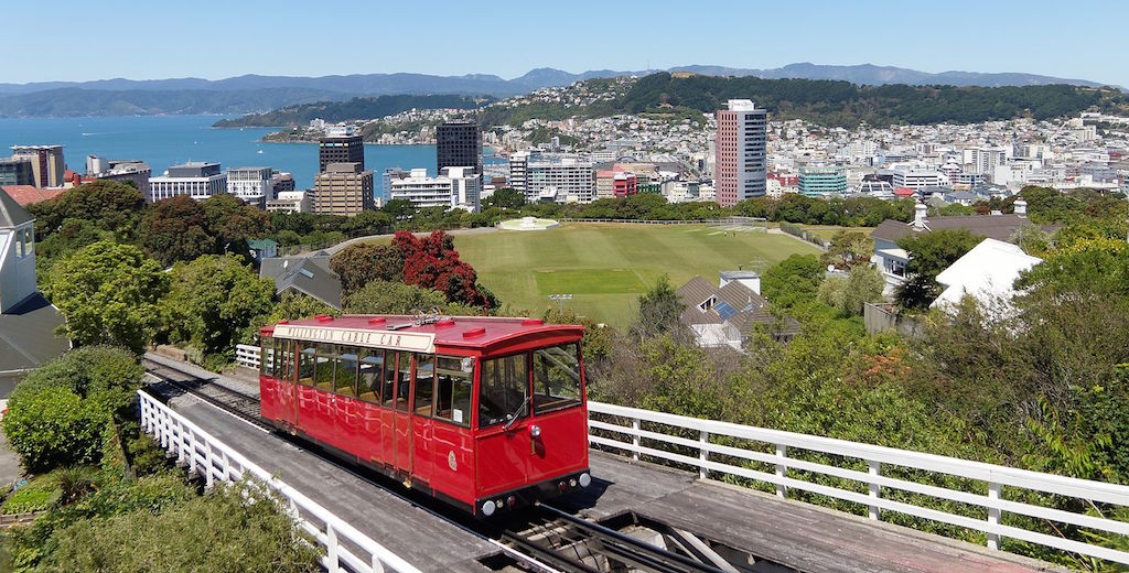 wellington_city_with_cable_car