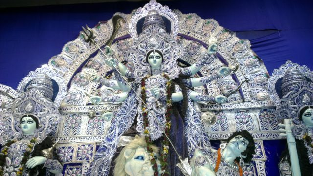The mud statues of Kolkata you've probably never heard about | Calcutta cultural sights | How to get to Kumortuli to see the mud statues | Durga Puja festival