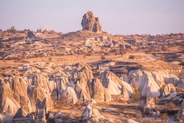 Cappadocia things to do | Looking for things to do in Cappadocia? Check out this complete guide featuring all adventurous activities, best hiking trails and how to get a balloon ride for cheap!