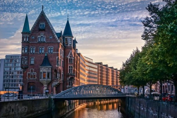 Explore a Neighbourhood - Free things to do in Hamburg Germany