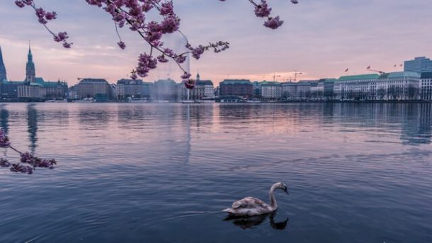 Outer Alster Lake - Free things to do in Hamburg Germany