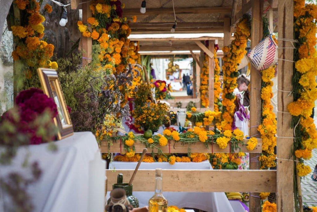 Altar ofrenda - Day of the Dead Oaxaca - Dia de los Muertos Oaxaca