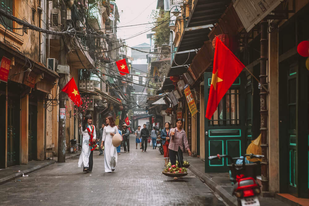 Food tour at Old Quarter for Free things to do in Hanoi, Vietnam