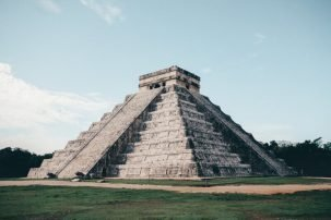 Chichen Itza Kukulkan temple - Driving in Mexico Road Trip
