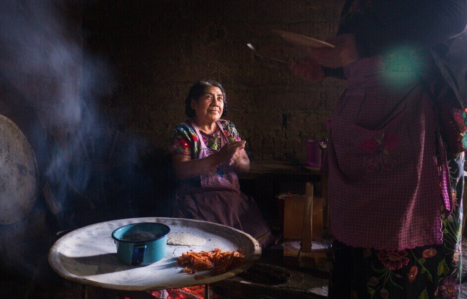 Mexican family cooking for Reasons to love Mexico