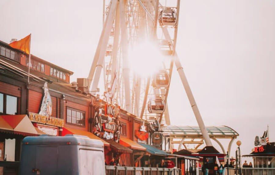 Seattle ferris wheel for 3 days in Seattle Washington